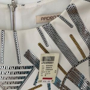 Arden B Dresses - Arden B brand new angular gold foil dress